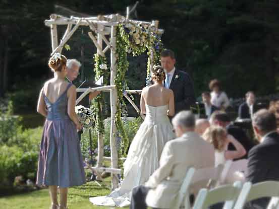 Migis Lodge wedding arch